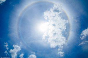 blau Himmel Madagaskar vollständig Regenbogen