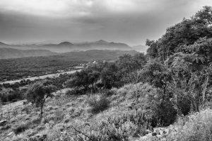 Berg Landschaft Kroatien schwarz weiß